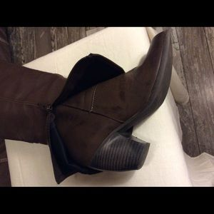 "Fergalicious Shoes - Like New. Fergalicious ""Ledge"" Boots 8.5 M"